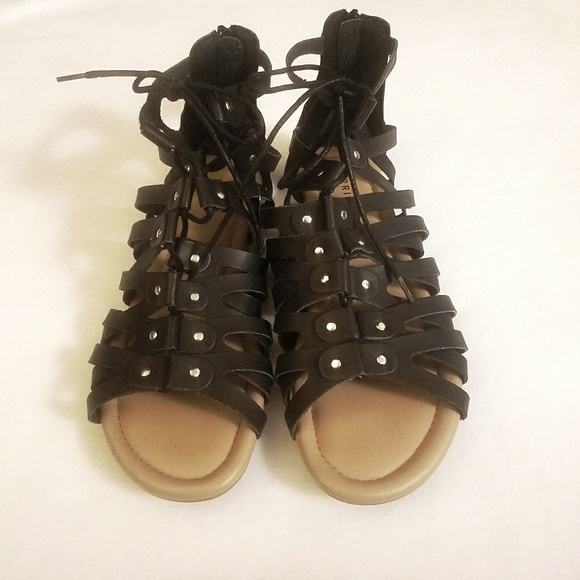 70e204cb99a6 NWT 11 Wide Torrid Black Lace Up Gladiator Sandals